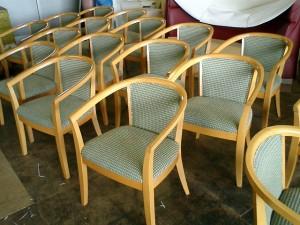 ホテルロビー 椅子の張替え