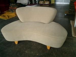 アメリカ製のソファーの張替え