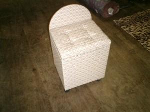 鏡台の椅子張替え