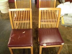 居酒屋椅子張替え