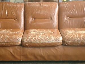 革張りソファーの張替え
